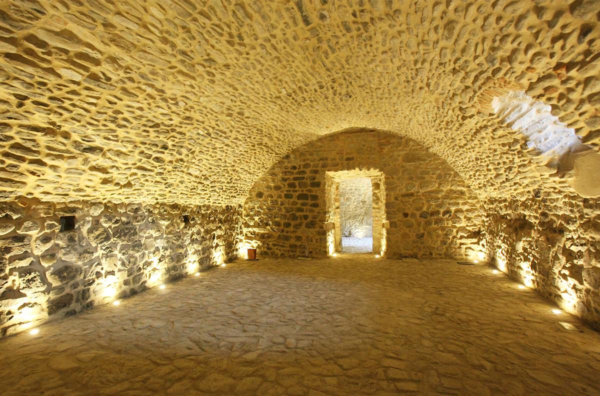 Galleria Dei Sassi Medievali